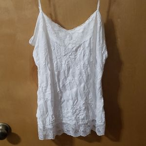 Maurices Crinkle Tank/cami w lace accent sz large
